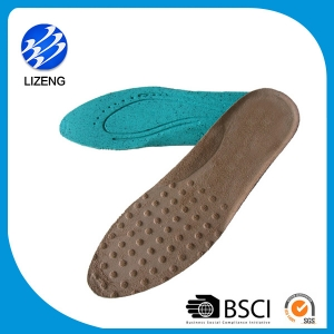 shoes with removable insoles